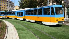 Трамваите през Руски паметник губят времето на столичани
