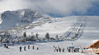 Прикриват незаконен строеж на ски писти със спасителни пътеки
