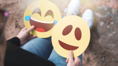 Apple планира емоджита за хора с увреждания