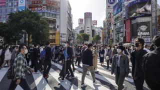 Япония купува още ваксини от Pfizer, изостава с имунизацията