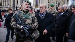 Париж: Терористите могат да се възползват от мигрантската вълна към Европа