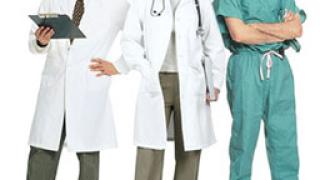 Медицинските сестри не протестират, а напускат страната