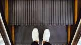 Защо ескалаторите нямат гладки стъпала