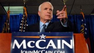 Маккейн спира кампанията си, ще се бори с кризата