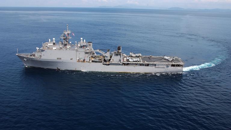 Руските ВМС наблюдават американски военен кораб в Черно море