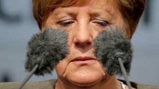 """Меркел се нахвърли на Шрьодер за влизането му в """"Роснефт"""""""