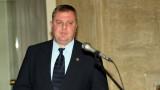 По-високи заплати за военните обеща Каракачанов