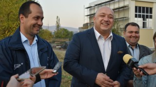 Министър Кралев се срещна със спортните клубове във Враца