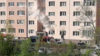 Горя пожар в жилищен блок в Перник
