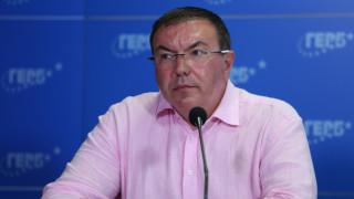 """Костадин Ангелов пита заседават ли новите директори на """"Пирогов"""" в частна кантора, свързана с Божков"""