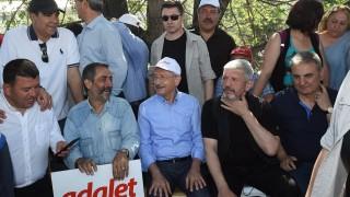"""Лидерът на опозицията в Турция обвини Ердоган във """"втори преврат"""""""