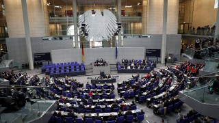 В Бундестага: За Тръмп очевидно ЕС и Германия  не са партньори, а плащащи васали