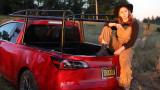 Ютюбърка превърна Tesla Model 3 в пикап