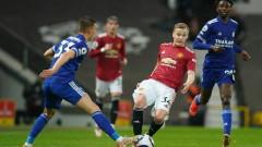 Дони ван де Бек отказа всички оферти и реши да се бори за място в Манчестър Юнайтед