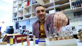 Доц. Чорбанов: Ваксина срещу COVID-19 в рамките на 18 месеца ще е политическо решение