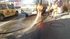 Мият улиците в София