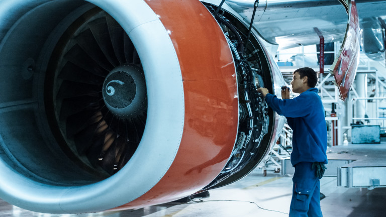 Сърбия отново се опитва да продаде компаниятаза поддръжкана самолети JAT