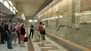 Атина минава на е-билет