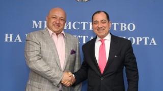 Министър Кралев проведе работна среща с турския посланик