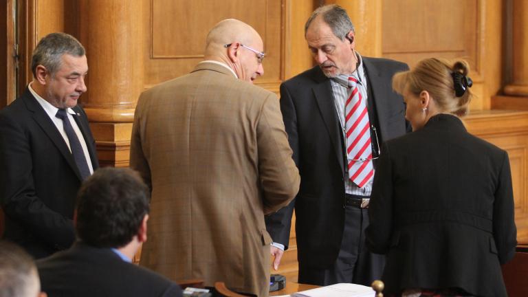Симеонов убеден, че ще се пребори за изгонването на Карастоянова