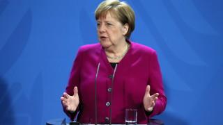 Консервативна фракция иска оставката на Меркел