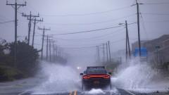 """Ураганът """"Сали"""" достигна втора категория"""