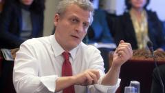 ДСБ напуска управлението, Москов остава министър