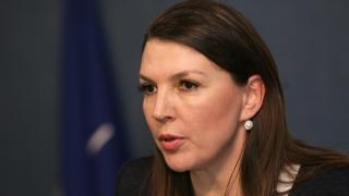 Бетина Жотева осъди депутата Симов