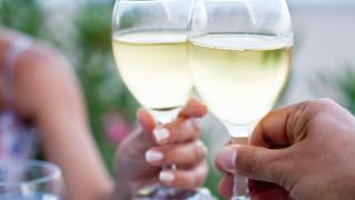 Как бързо да изстудим вино