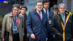 Премиерът на Испания търси подкрепа за избягване на ляв кабинет след вота