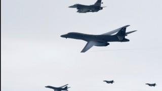 Американски бойни самолети симулират бомбардировки над Корейския полуостров