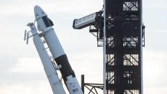 SpaceX изпраща първите си 60 сателита в орбита