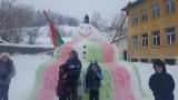 Почти 4-метров Снежен човек направиха в Забърдо