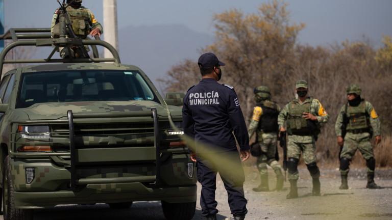 Мексико затяга охраната по границата с Гватемала