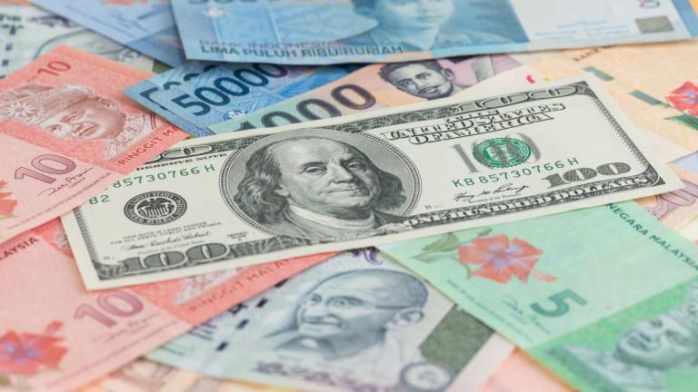 Доларът в очакване на преговорите между Вашингтон и Пекин
