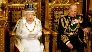 Укрепваме икономиката и вдигаме заплатите, обяви кралица Елизабет II в реч пред парламента