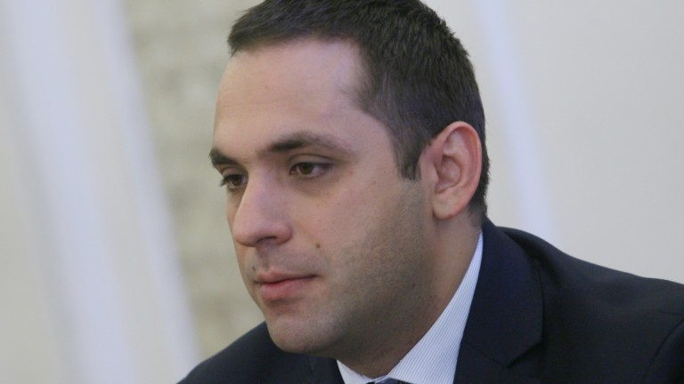 """Държавата ще направи всичко възможно да придобие """"Дунарит"""", увери Караниколов"""