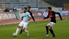 Дунав открадна трите точки в сблъсъка с Локо (Пд), гол от дузпа реши спора в Русе
