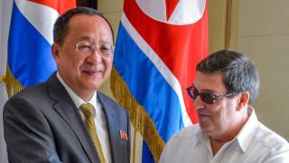 """Куба и Северна Корея се """"зъбят"""" на САЩ"""