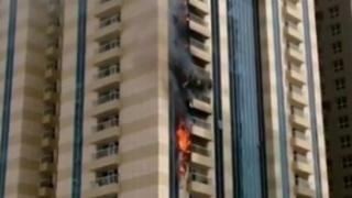 Небостъргач на 75 етажа гори в Дубай (ВИДЕО)