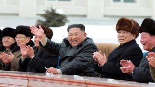 """Ким Чен-ун отпразнува откриването на """"модерен планински град"""""""
