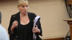 Съдът прекрати делото за клевета срещу Елена Йончева
