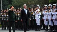 14 г. затвор за двама американци във Виетнам за опит за сваляне на правителството