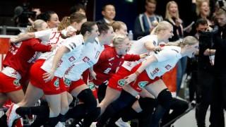 Дания елиминира шампиона Франция от дамското Световно първенство по хандбал