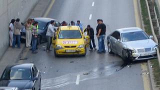 Шофьор пострада при верижна катастрофа в София