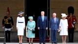 С топовни салюти и почетен караул кралица Елизабет посрещна Тръмп