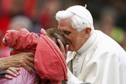 И Папата прикривал случаи на педофилия