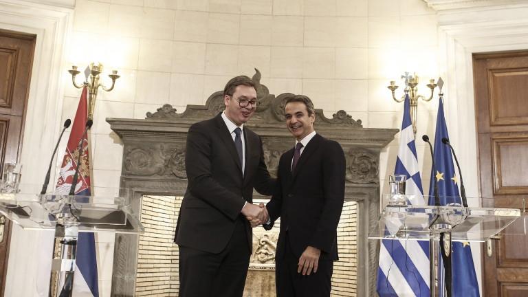 Сръбският президент Александър Вучич и гръцкият премиер Кириакос Мицотакис се