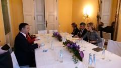 Захариева: България подкрепя Северна Македония за членство в ЕС