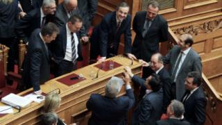 Гърция се готви за административна чистка